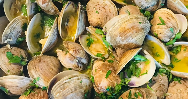 Steamed Clams with Garlic Butter and Wine