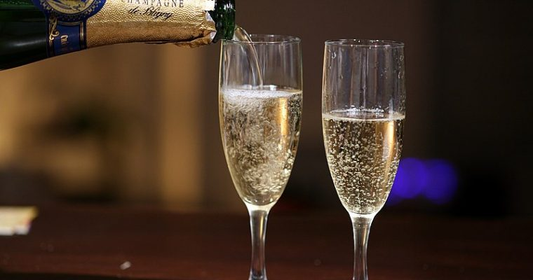 Champagne vs. Sparkling Wines