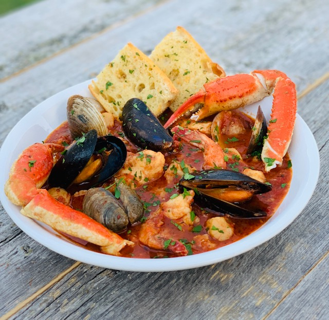 Cioppino with Garlic Bread