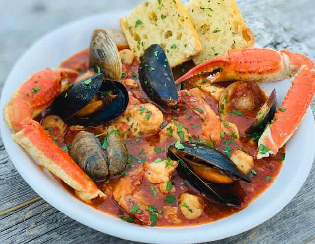 Cioppino Seafood Stew The Art Of Food And Wine