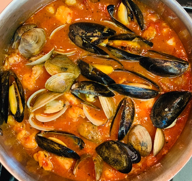 Cioppino with clam and mussels