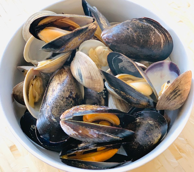 Steamed clam and mussels