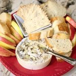 Baked brie with bread and apples