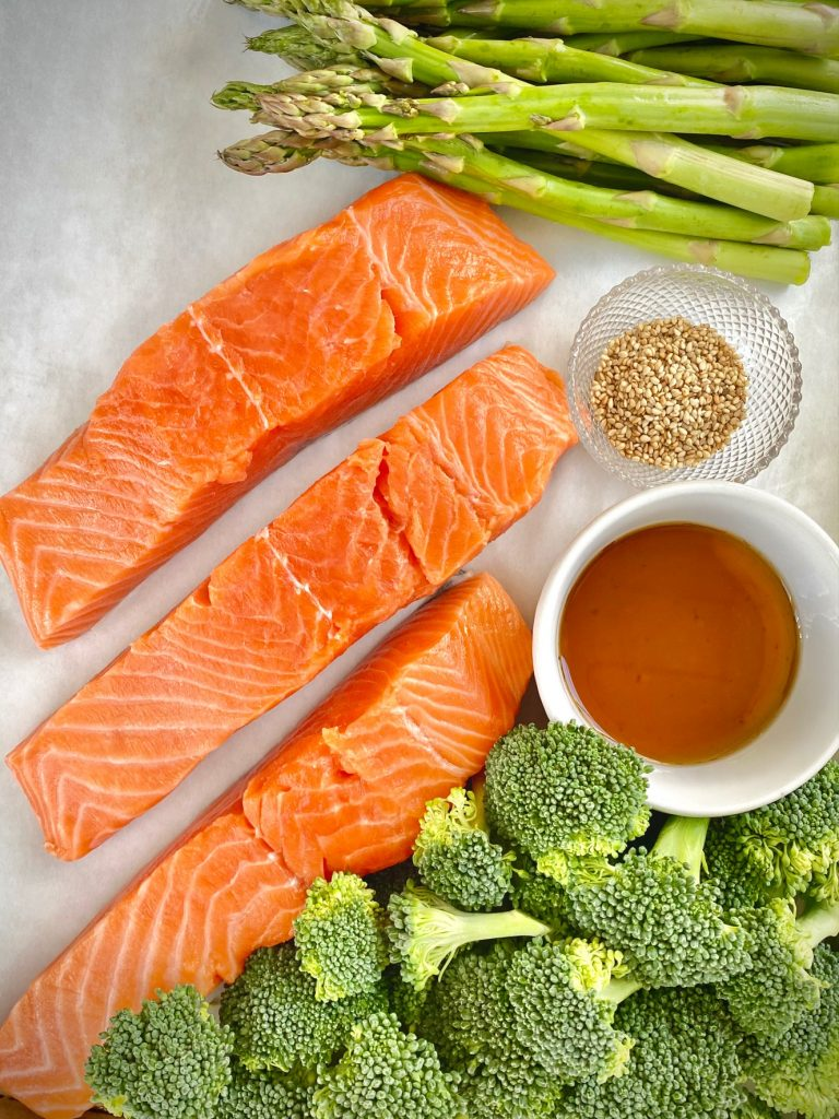 Salmon, broccoli, asparagus and sesame seed ingredients