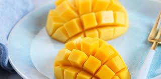 Mangos cut