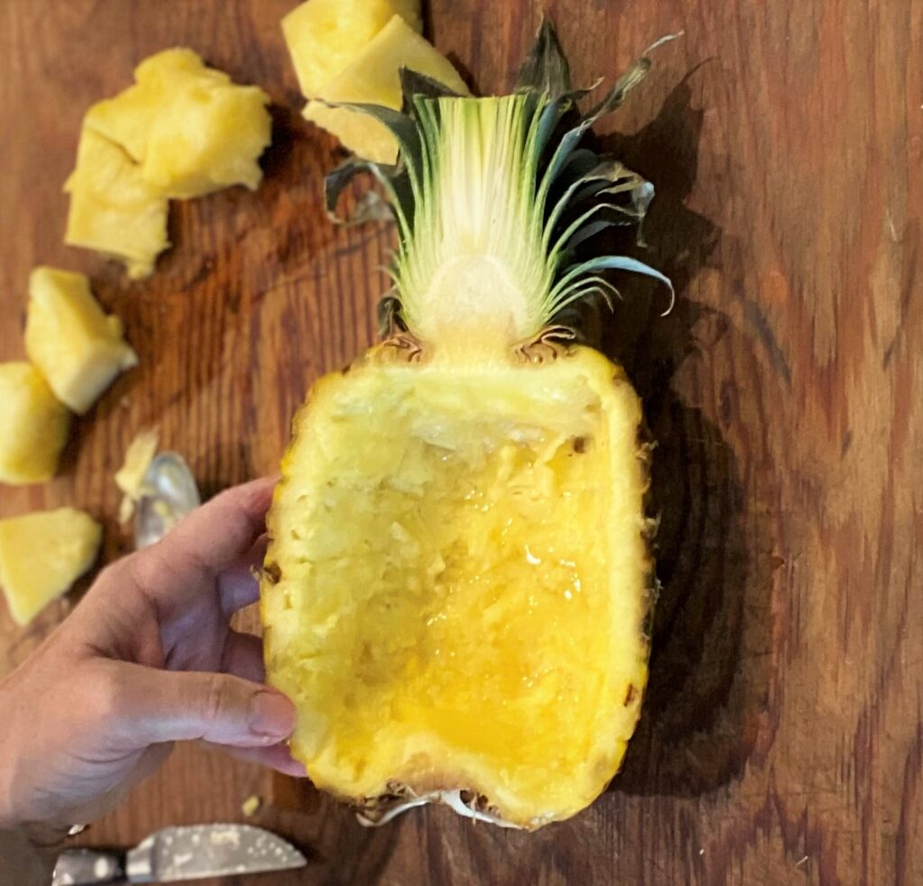 Finished pineapple bowl